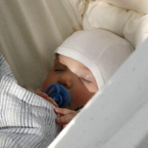 Slyngevuggen® - Fjedervuggen der giver dit barn en rolig søvn
